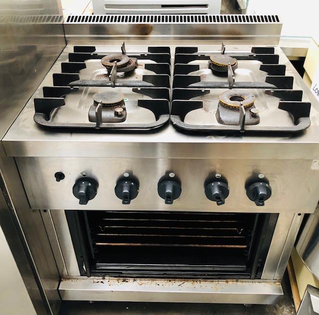 Cucine A Gas Usate In Vendita.3g Vendita Usato Cucina 4 Fuochi A Gas Con Forno