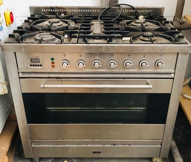 Cucine A Gas Con Forno A Gas Usate.3g Vendita Usato Per Pizzeria Cucina 6 Fuochi A Gas E Forno